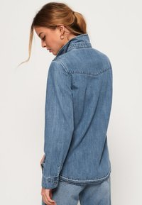 Superdry - Overhemdblouse - authentic blue - 2