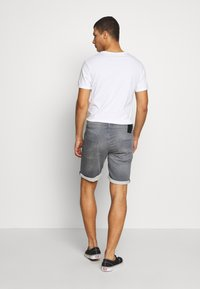 Jack & Jones - JJIRICK JJICON - Short en jean - grey denim
