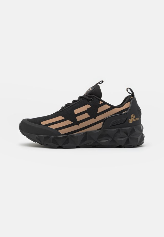 UNISEX - Sneakersy niskie - black/bronze