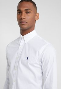 Polo Ralph Lauren - NATURAL SLIM FIT - Košile - white - 4