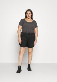 Noisy May Curve - NMSMILEY - Shorts di jeans - black denim - 1