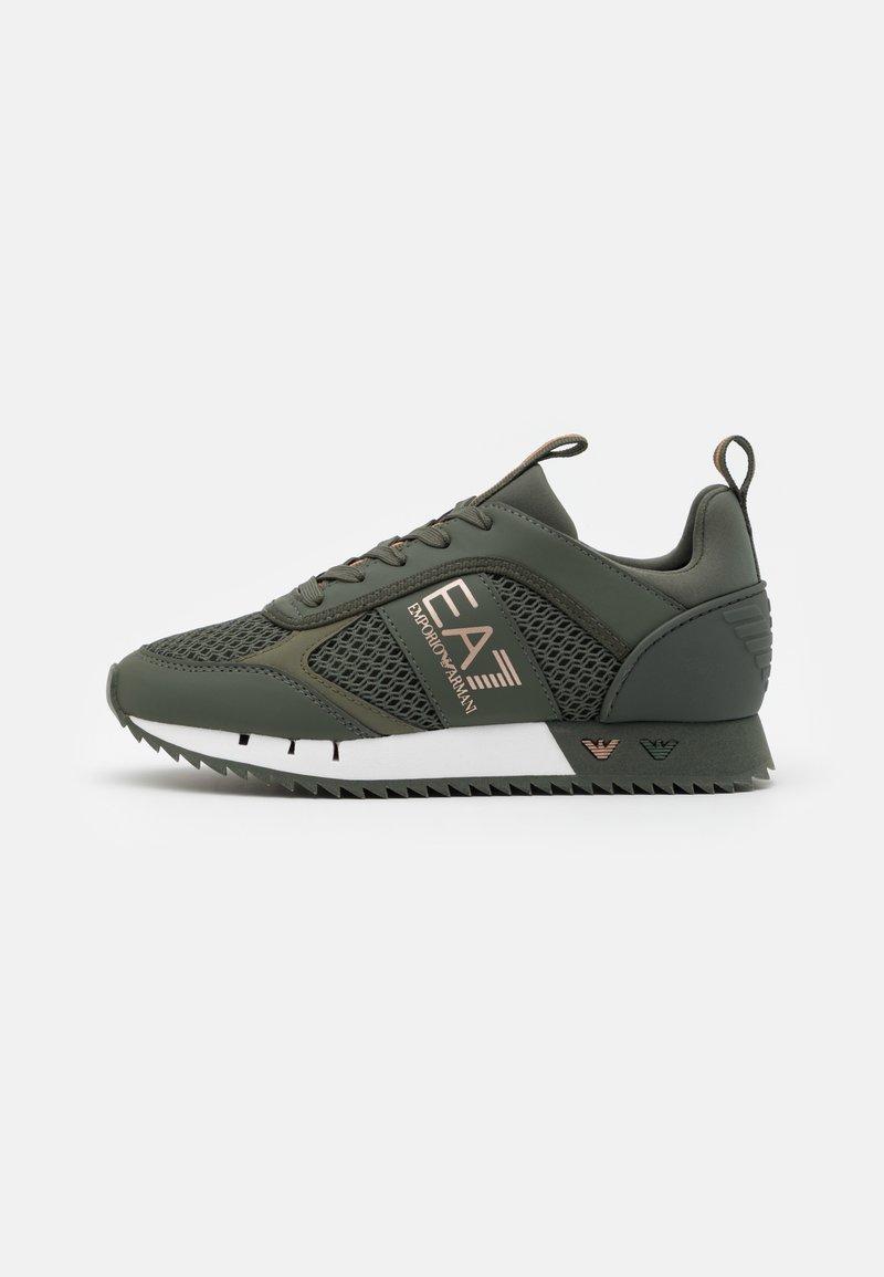 EA7 Emporio Armani - UNISEX - Sneakers laag - khaki