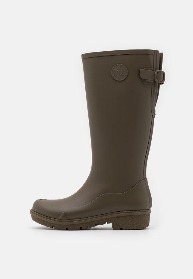 WONDERWELLY - Stivali di gomma - military green