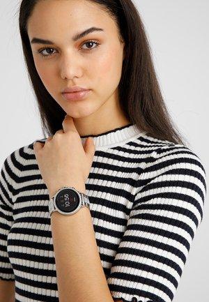 Q VENTURE - Smartwatch - silver-coloured