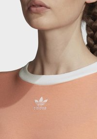 adidas Originals - CROP TOP - Print T-shirt - orange - 5