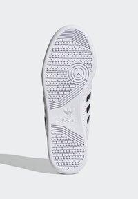adidas Originals - CONTINENTAL 80 STRIPES UNISEX - Tenisky - footwear white/collegiate navy/vivid red - 4