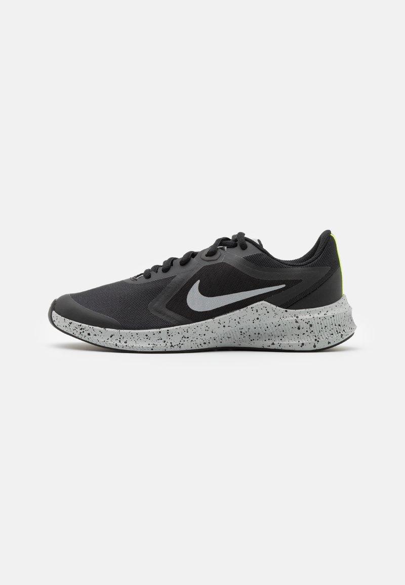 Nike Performance - DOWNSHIFTER 10 VIZ UNISEX - Neutral running shoes - black/reflect silver/light smoke grey/volt