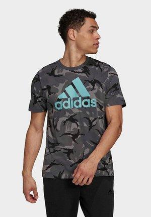 ESSENTIALS CAMOUFLAGE  - Print T-shirt - grey