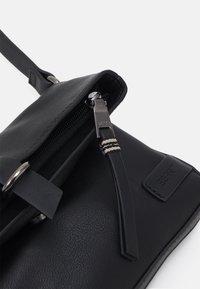 Esprit - LIZ - Taška spříčným popruhem - black - 3