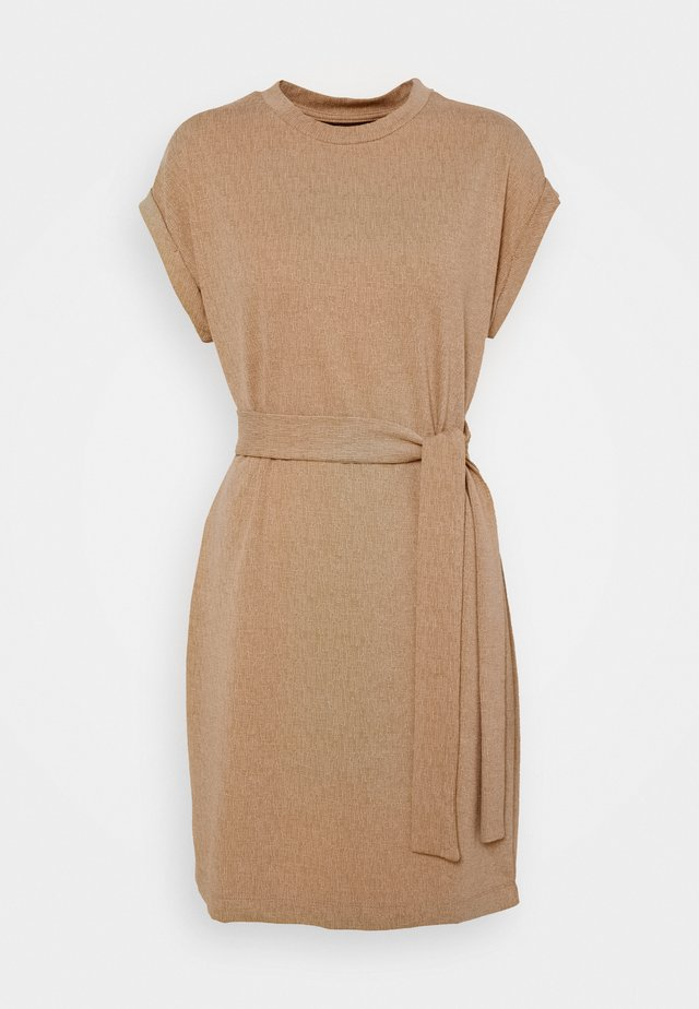 VMKIARA WIDE DRESS - Jerseyjurk - tobacco brown