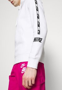 Nike Sportswear - HOODIE  - Sweat à capuche - white - 5