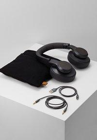 Fresh 'n Rebel - CLAM ANC WIRELESS OVER EAR HEADPHONES - Koptelefoon - storm grey - 5