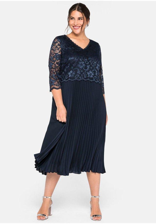 Day dress - nachtblau