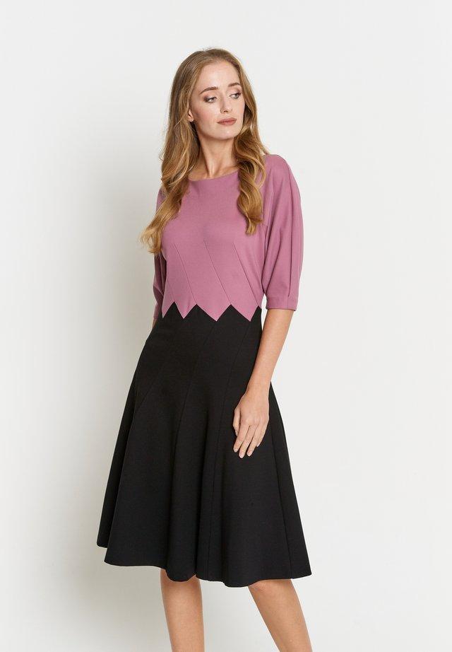 ERGO - Jerseyjurk - pink schwarz