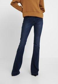 Denham - FARRAH - Jeans Bootcut - sapp - 0