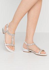 Menbur - Sandals - ivory - 0