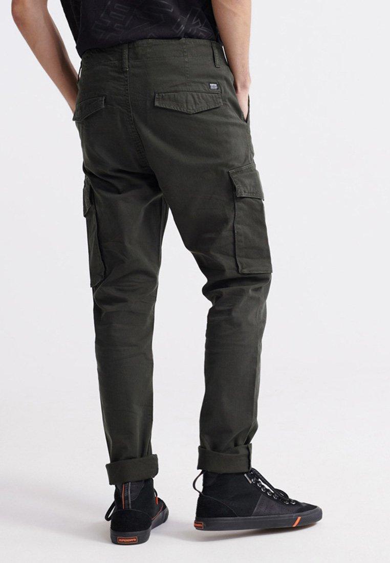 Superdry Pantalon cargo - rosin