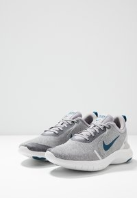 Nike Performance - FLEX EXPERIENCE RN  - Minimalist running shoes - atmosphere grey/blue force/off noir/platinum tint - 2