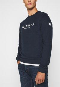 Belstaff - Sweatshirt - navy/offwhite - 3