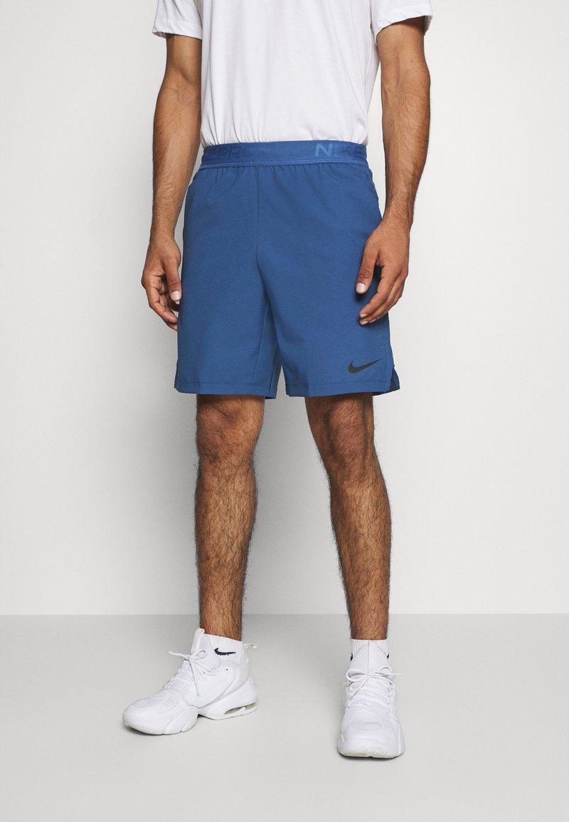 Nike Performance - FLEX VENT MAX SHORT - Pantaloncini sportivi - mystic navy/black