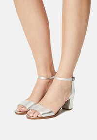 Clarks - KAYLIN - Sandals - silver - 0