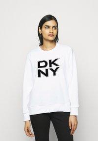 DKNY - STACKED LOGO  - Sweatshirt - ivory - 0