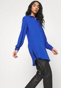 Vila - VILUCY BUTTON - Button-down blouse - mazarine blue - 3