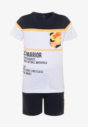 NKMHELMHEAD SET - Teplákové kalhoty - orange pop