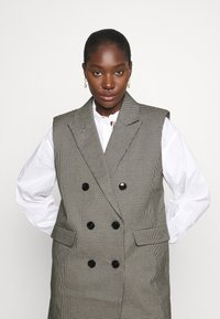 Custommade - MAISY - Waistcoat - anthracite black - 3