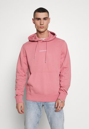 INSTIT CHEST LOGO HOODIE - Hoodie - brandied apricot