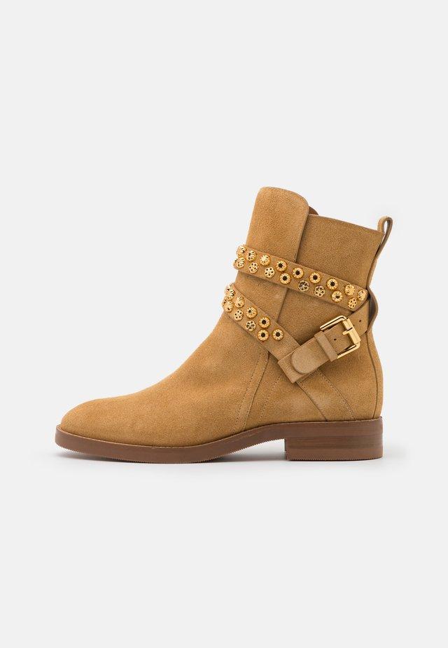 Cowboy/biker ankle boot - sabbia