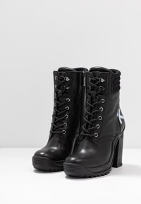 KARL LAGERFELD - VOYAGE ANKLE LACE LOGO BOOT - High heeled ankle boots - black - 4