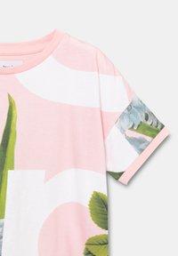 Desigual - TURIN - Print T-shirt - red - 2