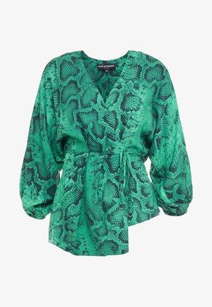 AKIKO KIMONO BLOUSE IN ANIMAL PRINT - Bluser - green