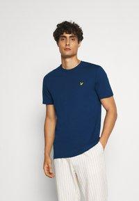 Lyle & Scott - T-shirt - bas - indigo - 0