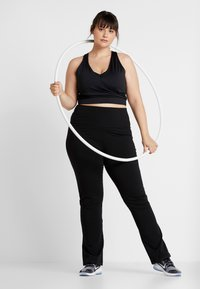 ONLY Play - ONPFOLD JAZZ PANTS CURVY - Tracksuit bottoms - black - 1
