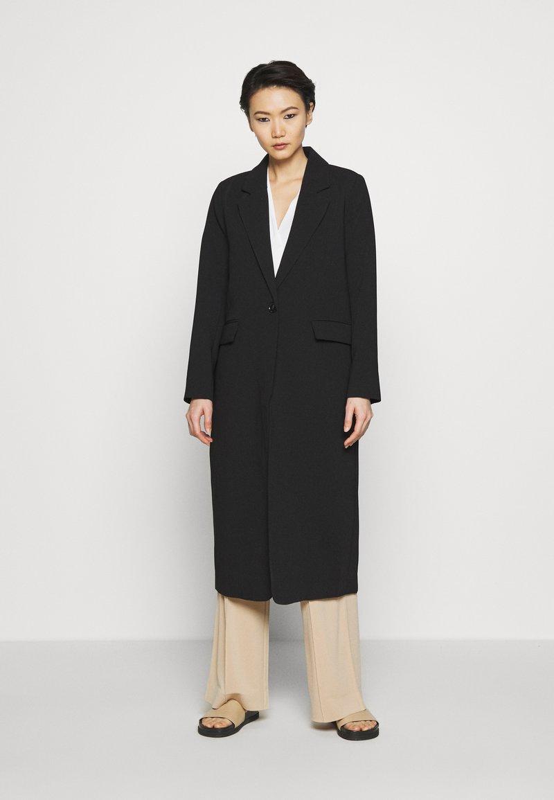Bruuns Bazaar - FLORAS ALANNA COAT - Klasický kabát - black