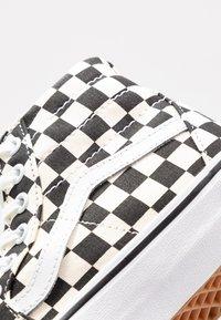 Vans - SK8 TAPERED - Sneakers hoog - black/true white - 2