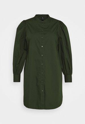 PCFONNIEN - Shirt dress - duffel bag