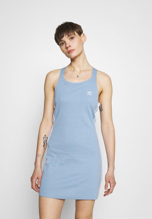 RACER DRESS - Sukienka z dżerseju - ambient sky