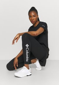 Columbia - LODGE™ LEGGING - Tights - black - 1