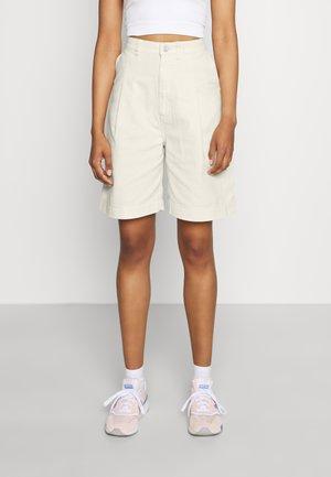 NANETTE  - Denim shorts - white light