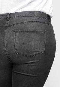 ONLY Carmakoma - CARVICKY LIFE - Jeans Skinny Fit - grey denim - 3