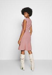 Anna Field - BASIC - V NECK MINI DRESS - Jersey dress - pale mauve - 2