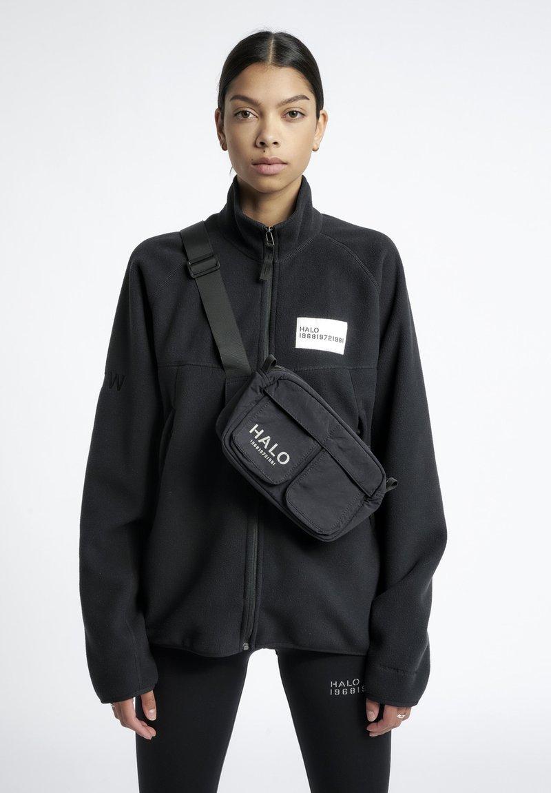 HALO - Bæltetasker - black