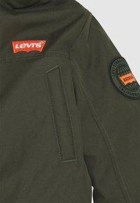 Levi's® - LONG UNISEX - Winter coat - olive night - 3