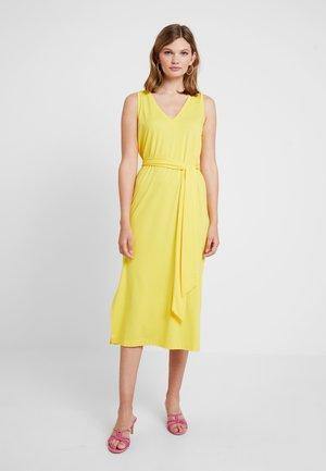 VNECK COLUMN TIE WAIST DRESS SOLID - Trikoomekko - dandelion yellow