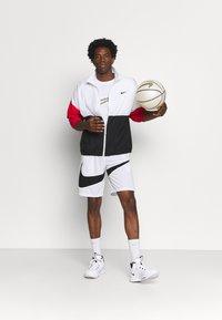 Nike Performance - STARTING - Sportovní bunda - white/black/university red - 1