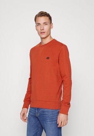 CORE CREW - Sweater - burnt orange