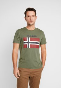 Napapijri - SAXY  - Print T-shirt - new olive green - 0